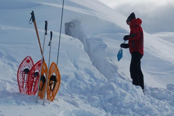 Noorwegen, Hardangervidda, sneeuwhol, sneeuwwandelen, sneeuwwandelreis