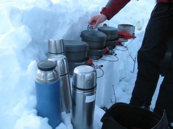 Noorwegen, Hardangervidda, koken in de sneeuw, winterreis