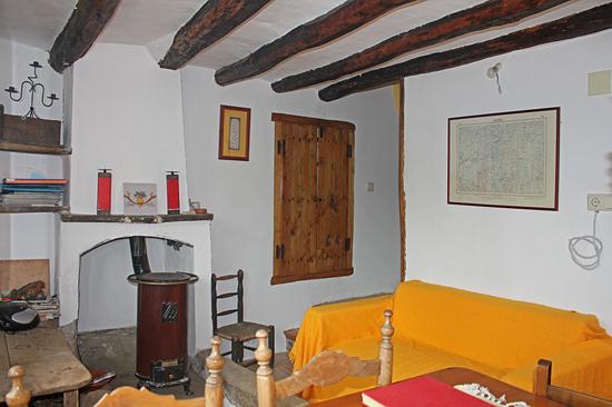 Houtkachel in de kleine woonkamer