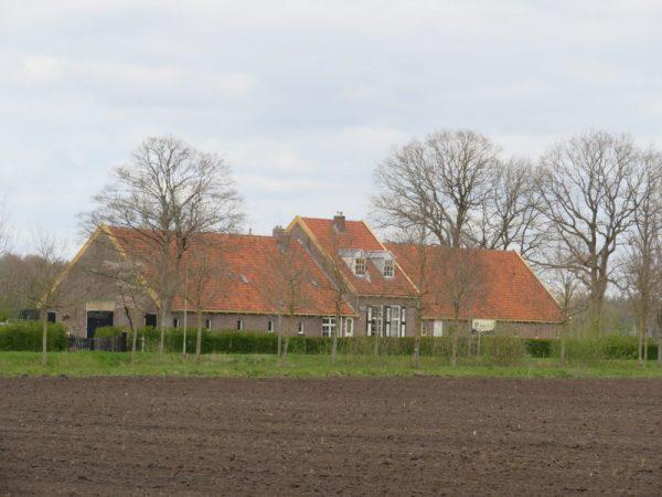 Typische boerderij bij Veenhuizen.